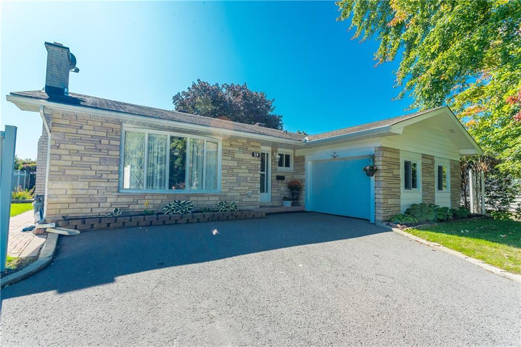 Real Estate Listing   39 HADLEY CIRCLE Ottawa